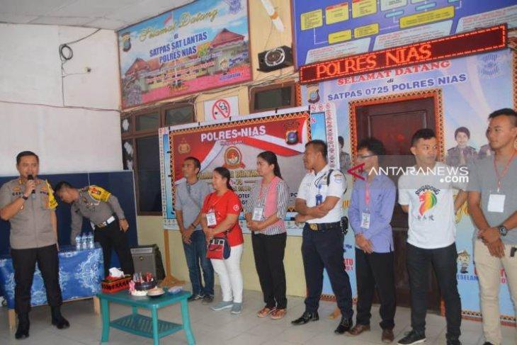 Empat warga Gunungsitoli dapat SIM gratis pada HUT Bhayangkara