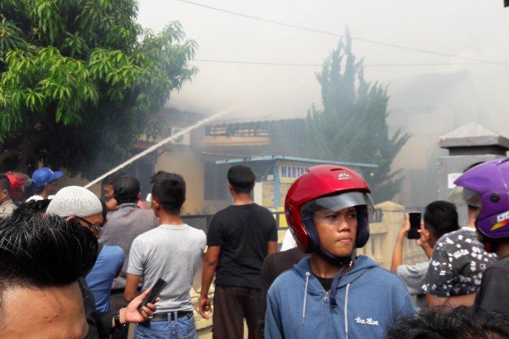 Dua rumah warga di Stabat terbakar