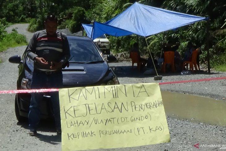Konflik lahan tak kunjung usai, Yulfida: Pak Jokowi tolong kami