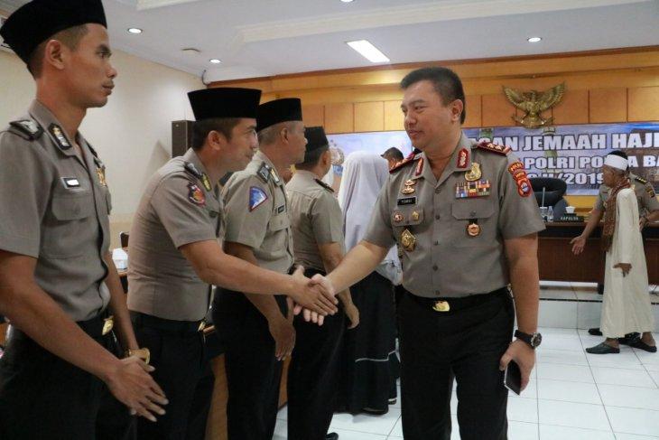 Kapolda Banten lepas 23 personel berangkat haji