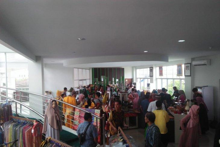 Gedung UMKM Center Kota Pontianak diserbu pengunjung STQ Nasional