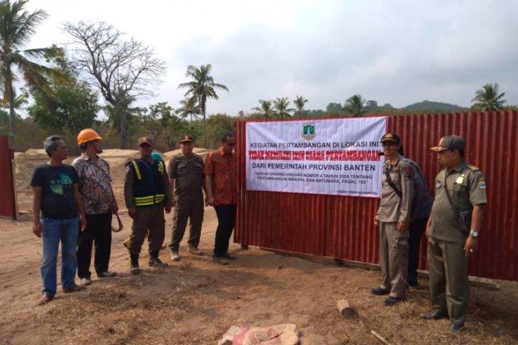 Pemprov Banten segel  tambang pasir ilegal di Pulo Manuk