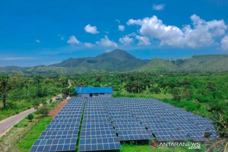 PLTS  alirkan listrik di delapan kepulauan wilayah Madura, bulan ini