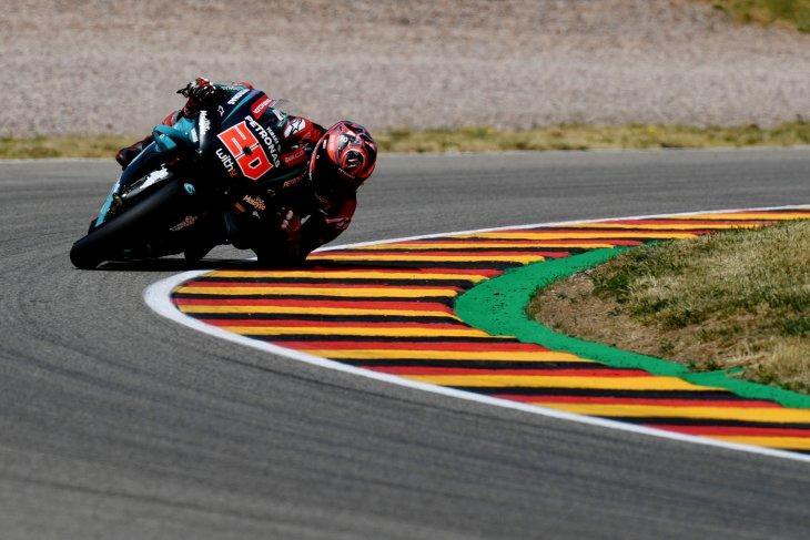 Cedera dua lengan Quartararo tantang Marquez di GP Jerman