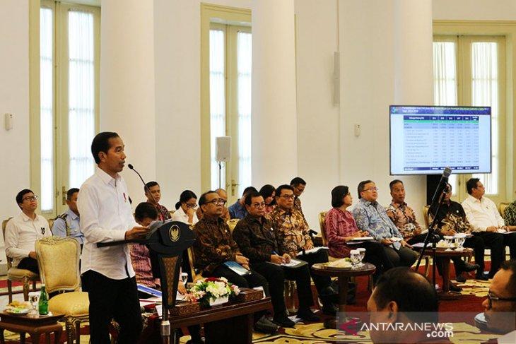 Sidang kabinet, Jokowi singgung tingginya angka impor