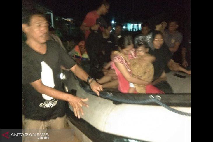 BPBD Bengkulu evakuasi korban banjir