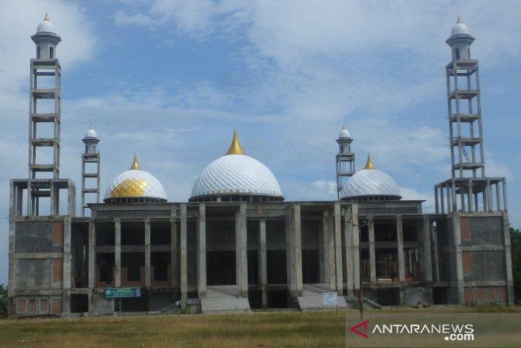 Bupati Akmal ajak warganya hadiri syukuran Masjid Agung Abdya