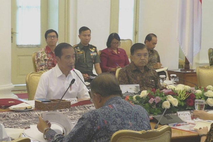 Jokowi urges Central Java to boost export-oriented industry, tourism