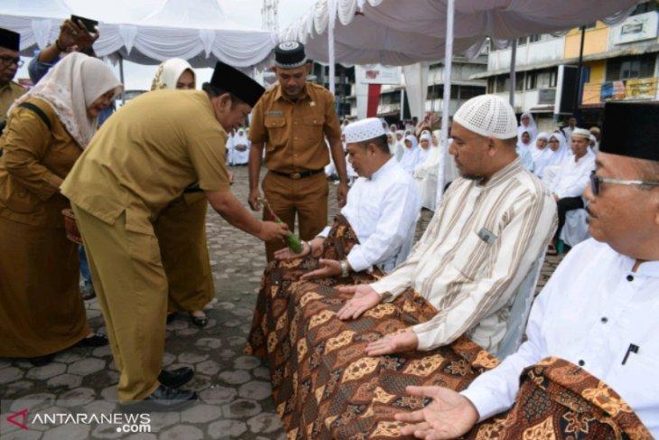 Wali Kota Padangsidimpuan tepung tawari 386 calon jamaah haji