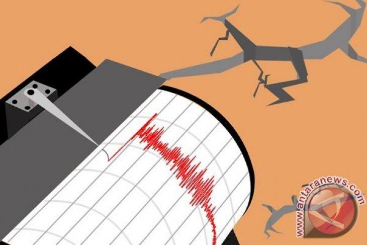 Gempa bumi magnitudo 4,9 guncang barat daya Ternate