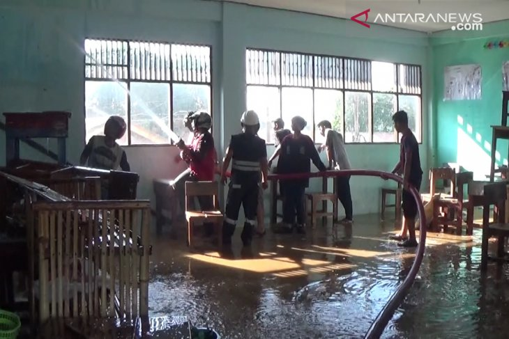 SMA Garuda rusak parah akibat kebakaran