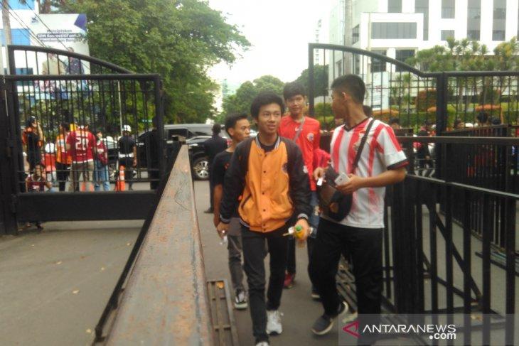 Penonton tanpa tiket dilarang masuki kompleks Gelora Bung Karno