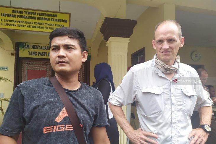 Wisman asal Perancis baru pertama kali ke Indonesia kena musibah jambret