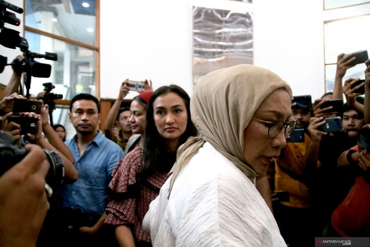 Aktris Atiqah Hasiholan bersyukur ibunya divonis dua tahun