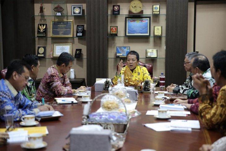 Gubernur Arinal Djunaidi Percepat Akses Keuangan Daerah di Bank Lampung