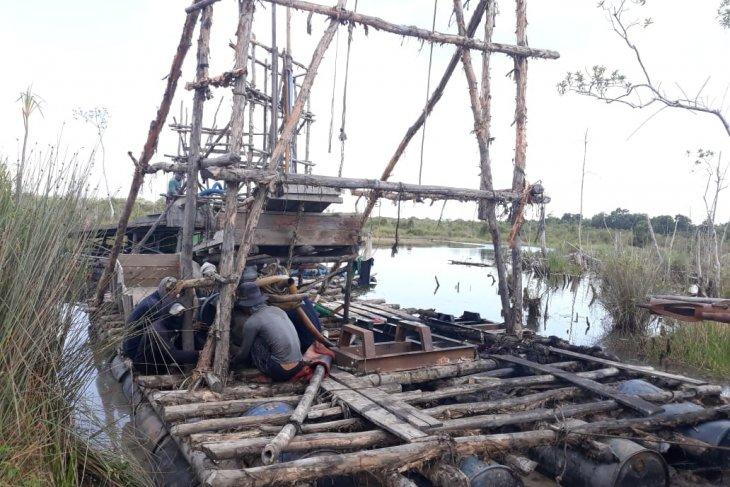 Polres Bangka Tengah tertibkan tambang timah ilegal