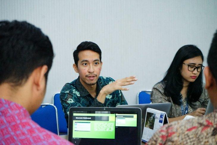 KPK lakukan diskusi pengembangan aplikasi di Dispendik Surabaya
