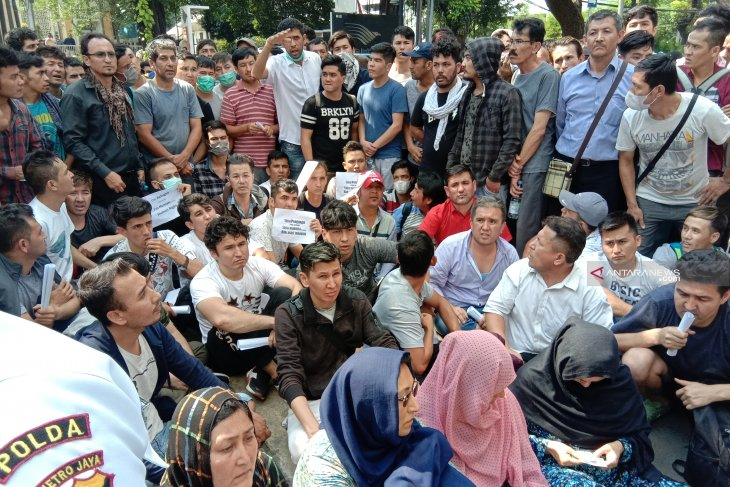 Ratusan pencari suaka di Kebon Sirih butuh makanan