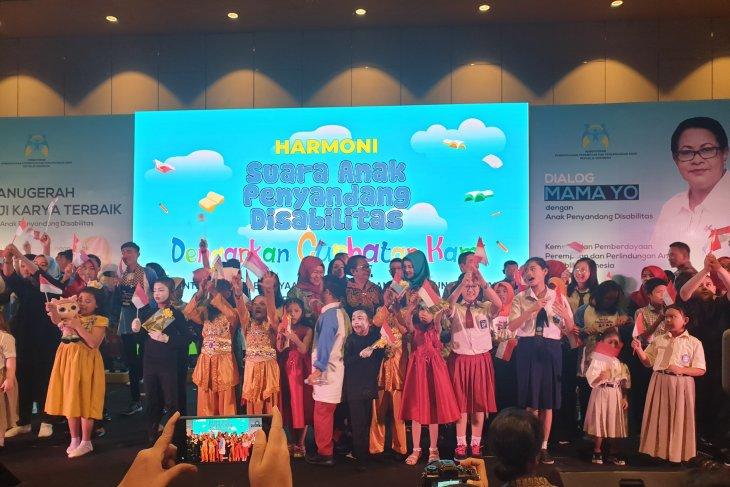 Sejumlah anak disabilitas manfaatkan kesempatan curhat kepada Menteri PPPA di Palembang