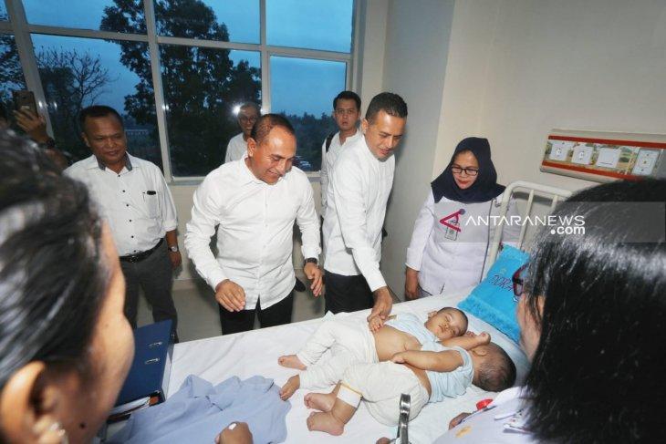 Gubernur dan Wakil Gubernur Sumut jenguk pasien kembar di RSUP H Adam Malik
