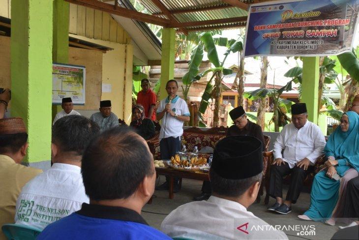Gorontalo luncurkan gerai tukar sampah dengan bahan pokok