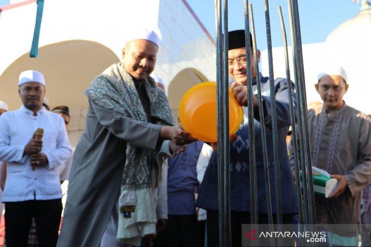 Bupati HSS letakkan tiang pertama Masjid Darus Sa'adah dan Musholla Syekh Khadi Ahmad