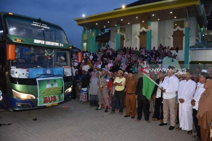 Wakil Bupati lepas 386 calon jamaah haji asal Madina
