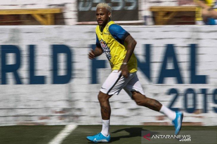 Juventus cari uang untuk beli Neymar