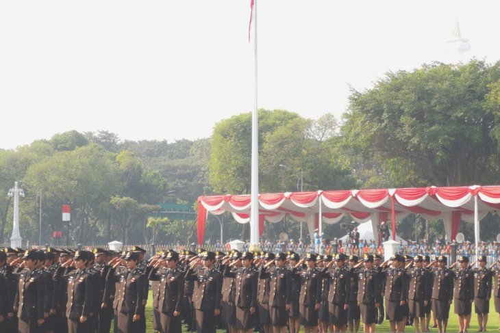 Presiden Jokowi minta perwira remaja ikuti perkembangan cepat Iptek