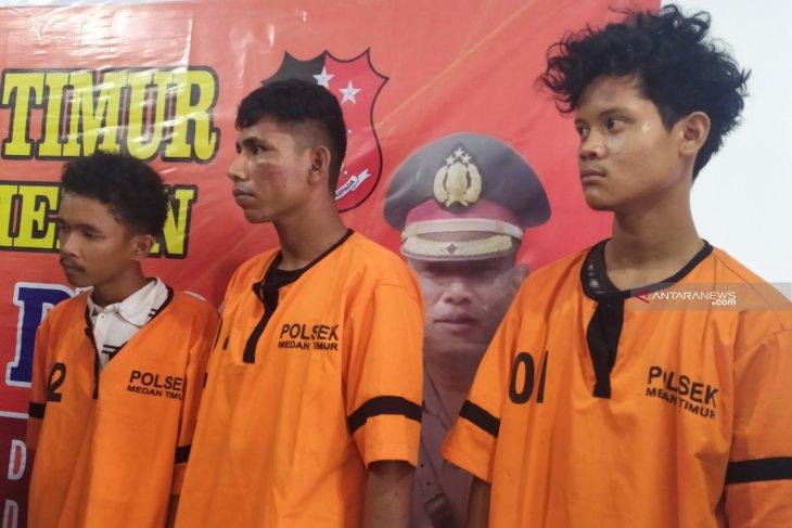 Polisi tangkap tiga pelaku begal modus nongkrong di Indomaret