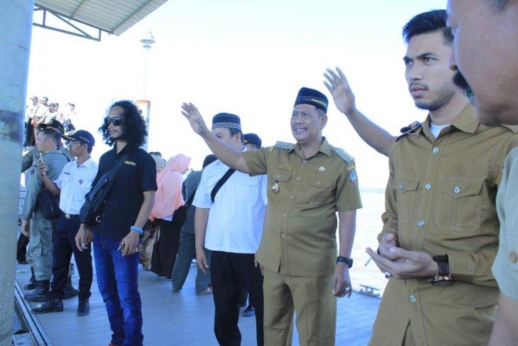 Bupati Kayong Utara pesan Jamaah Calon Haji fokus beribadah