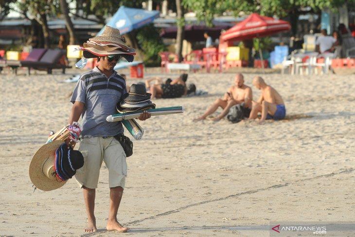 Di Bali, turis Australia diduga depresi mau lompat dari lantai 2