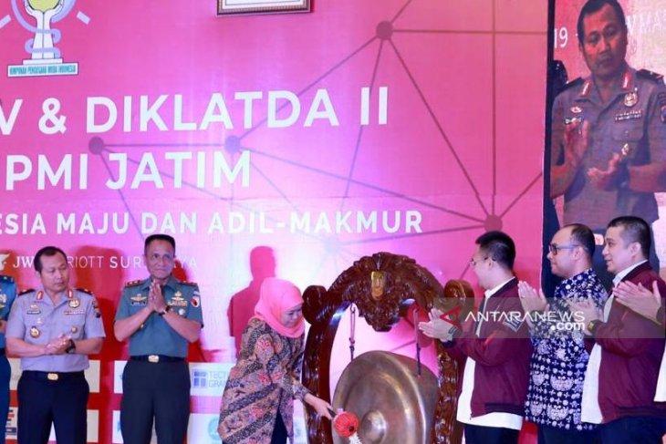 Buka Rakerda HIPMI, Khofifah sampaikan tantangan ekonomi digital perlu direspons cepat