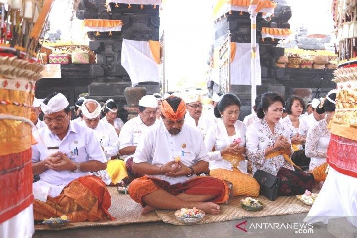 RSUD Klungkung laksanakan Puncak Karya Pura Usadha Siddhi