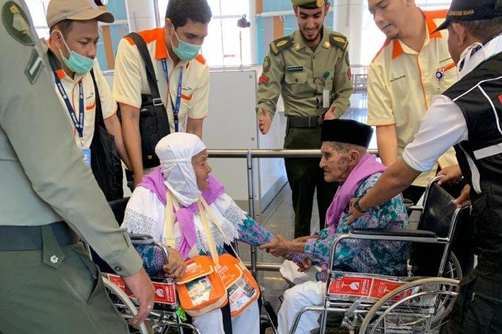 Mendarat di Madinah Mahmud tak mau  dipisahkan dari belahan jiwanya