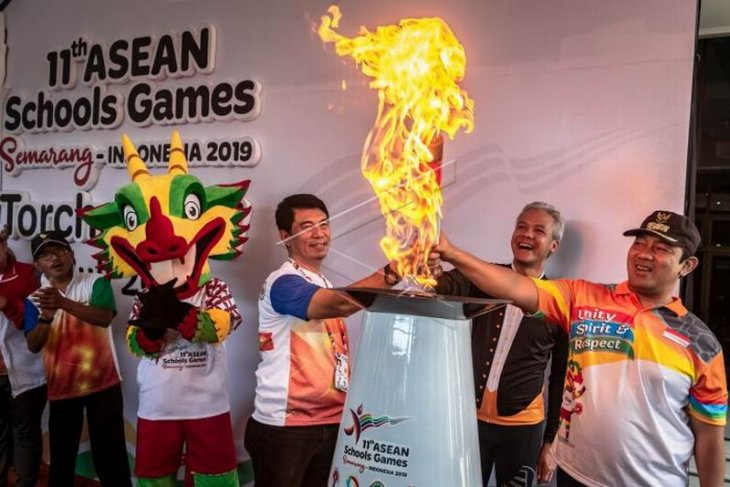 Obor api ASEAN School Games