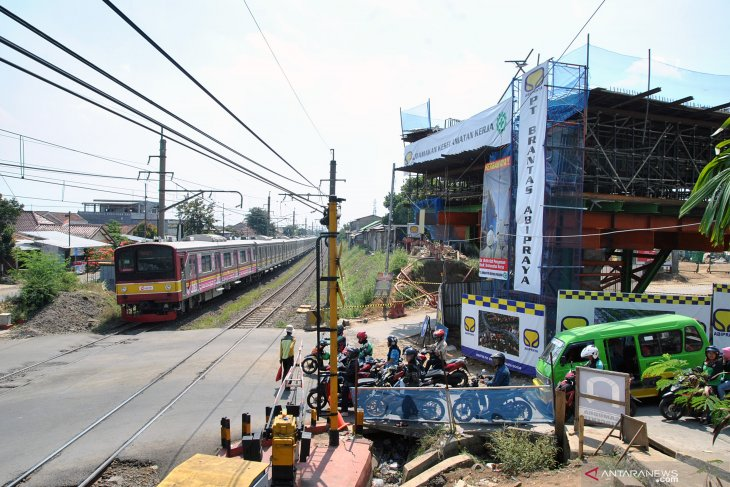 Perjalanan KRL terganggu karena pemadaman listrik di Jabodetabek