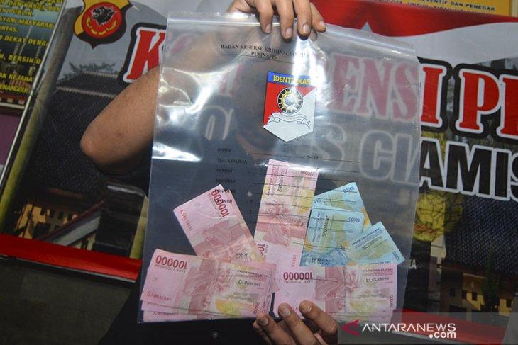 Penangkapan pelaku ganjal ATM