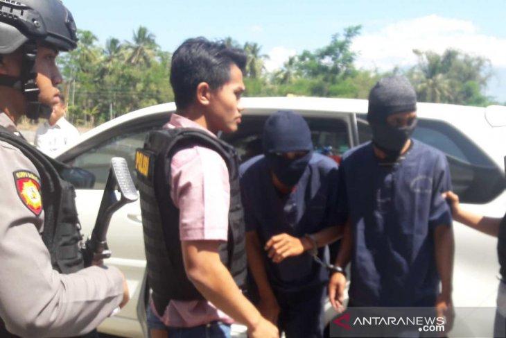 Polisi tahan dua pencuri cabai