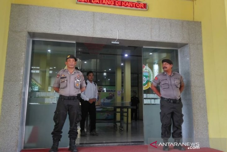 Polisi geledah Kantor Dispora Sumut