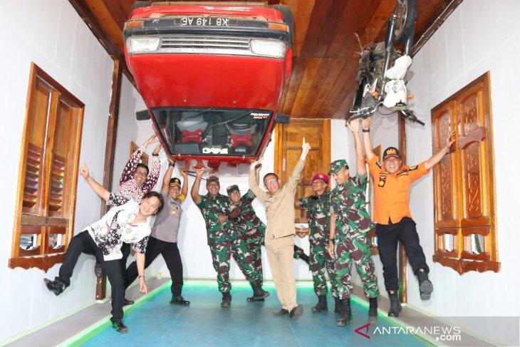 Gubernur Kalbar Kunjungi Perbatasan di Kabupaten Sambas