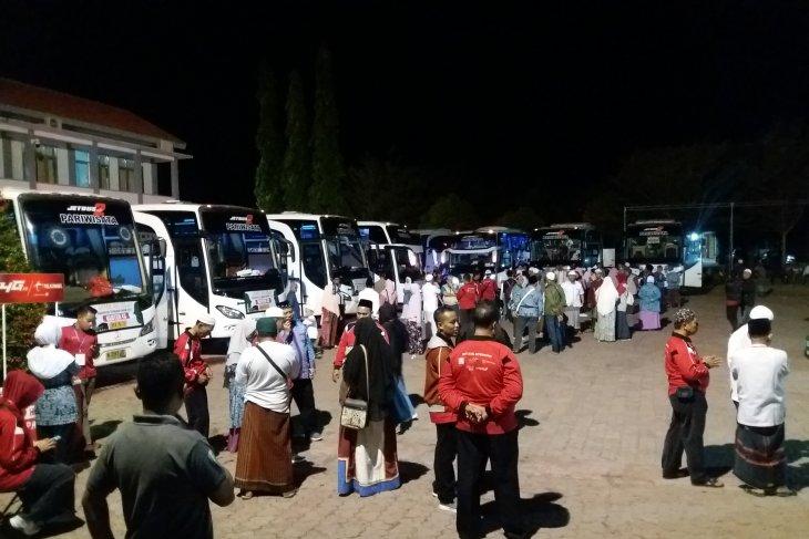 Ratusan calon haji Situbondo diberangkatkan ke Embarkasi Surabaya