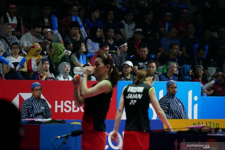 Wasit kenakan batik di semifinal Indonesia  Open 2019