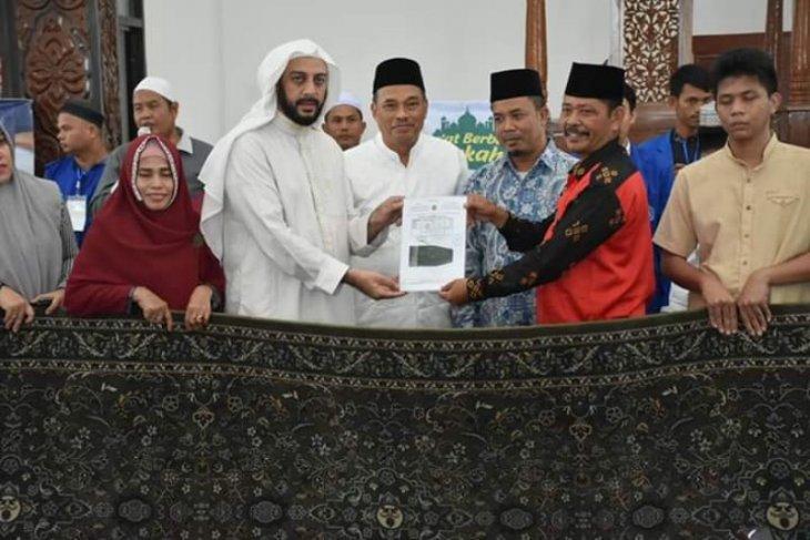 Masjid Agung Tebing Tinggi terima bantuan karpet eks Masjidil Haram
