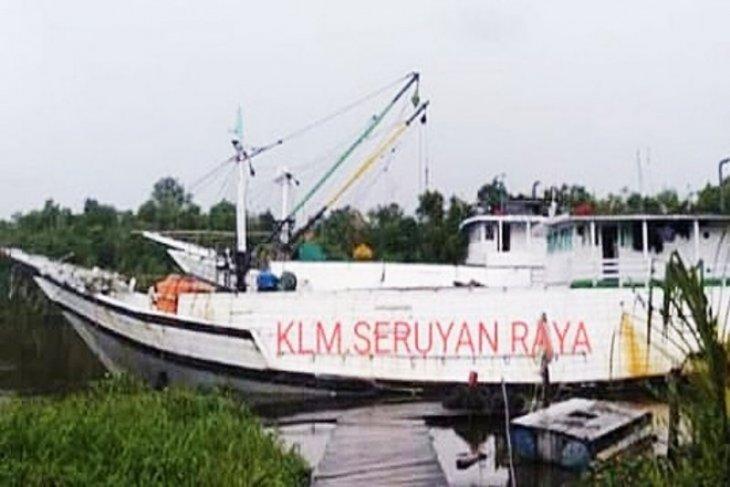Kapal bermuatan karet  tenggelam di perairan Kotim