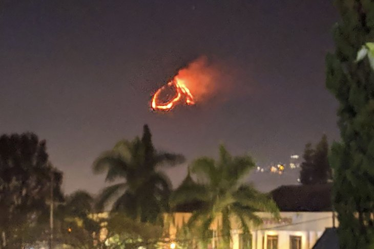 Kebakaran melanda lereng Gunung Panderman