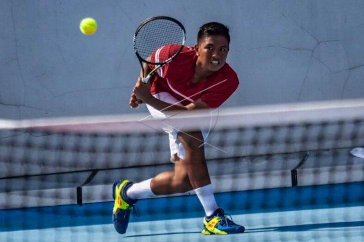 Medali emas tim tenis putra Indonesia