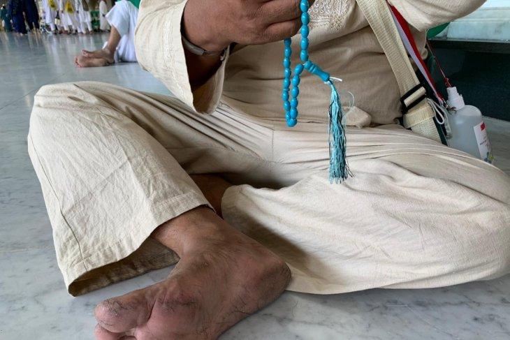 Telapak kaki jamaah Indonesia  banyak yang melepuh