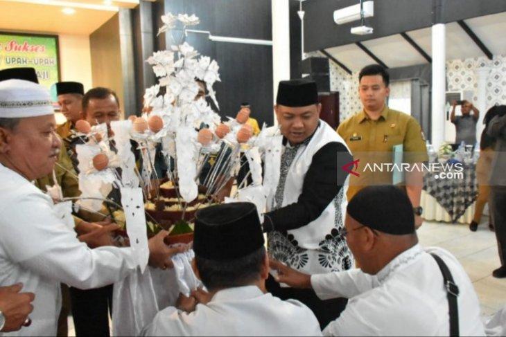 Pemkot Tanjungbalai upah-upah 177 jamaah calhaj