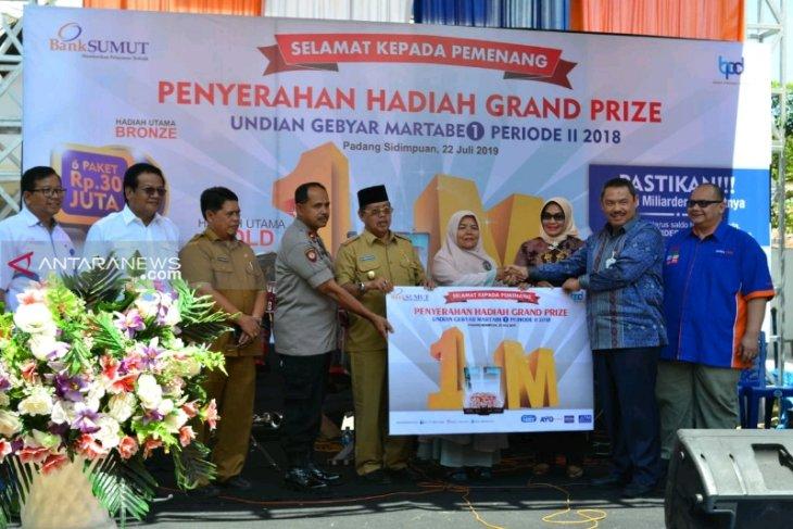 Bank Sumut Padangsidimpuan salurkan undian gebyar Rp1 miliar kepada pemenang